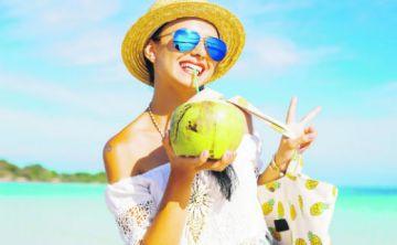 5 beneficios de consumir agua de coco