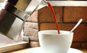¿Existe riesgo entre tomar café y contraer cáncer?