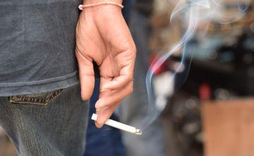Un estudio revela que el fumar tabaco daña los músculos de las piernas