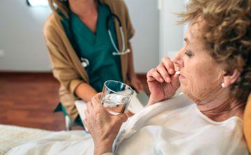 Combinación de fármacos reduce riesgo de muerte en un tipo raro de cáncer