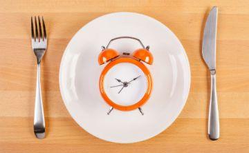 ¿Qué tan importante es la hora a la que comemos?
