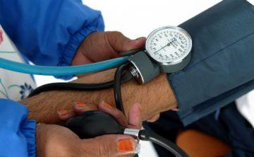 Establecen nuevos valores de presión para la hipertensión
