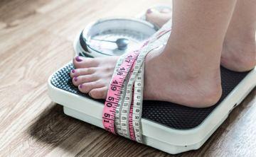 Estudio revela que el estrés hace subir de peso