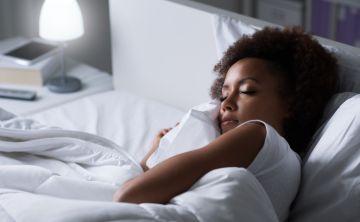 Dormir ayuda a reparar el daño en el ADN de las neuronas