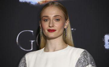 Actriz de Game of Thrones revela que consideró el suicidio y tuvo que recibir terapia para lidiar con las críticas