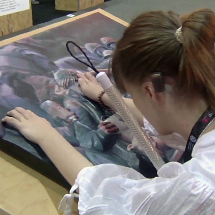 """Desarrollan una tecnología que ayuda a los ciegos a """"ver"""" el arte"""